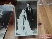 2324:39年静芝结婚照片一张