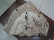 老藏家手里收来的【天然玛瑙观赏石】形体硕大,图案精美,有皮壳!