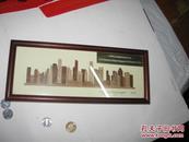 外国匠人做浮雕挂件并英文签名