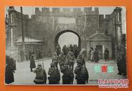 侵华铁证日本关东军侵占齐齐哈尔时在迎恩门的入城式【大坂每日从军写真班摄影】