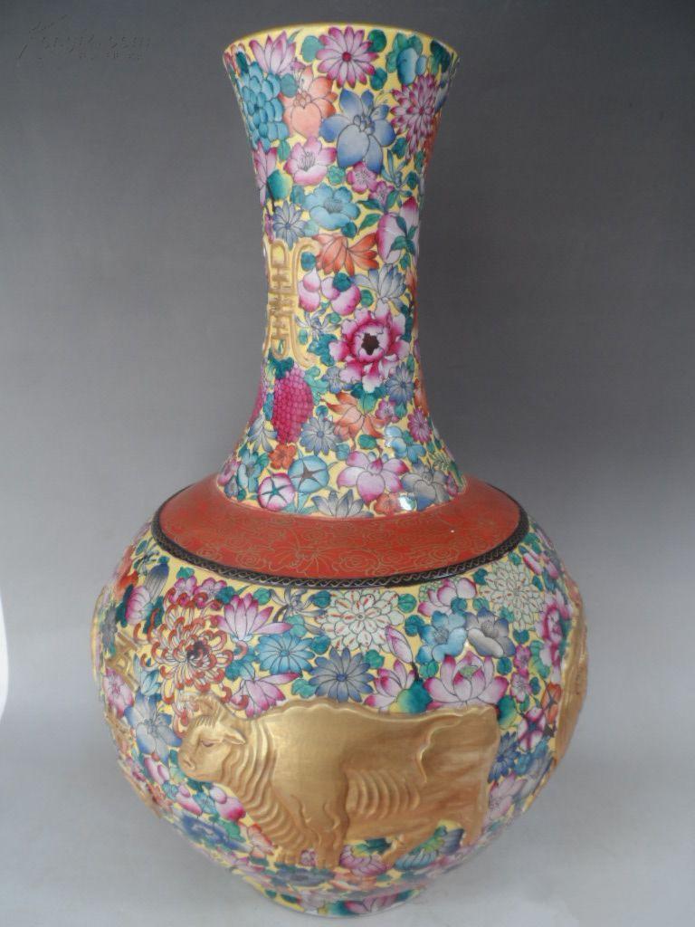 大清乾隆年制本金雕刻五牛图花瓶 藏品尺寸/规格:高;41厘米 直径;26