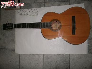 特大号红棉吉他《961号》