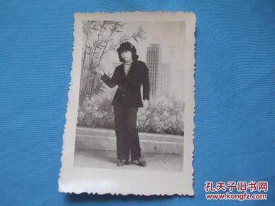 80年代女青年流行发型老照片图片