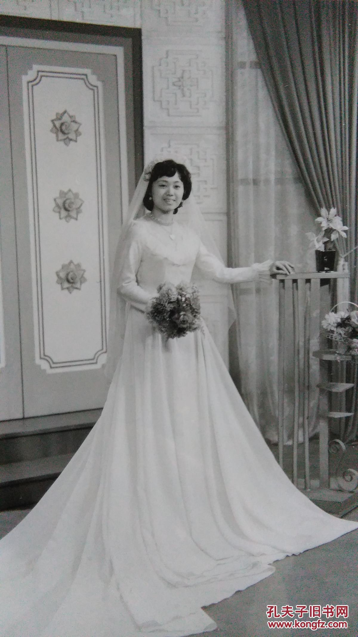 唯美婚纱,早期漂亮的时刻丝袜艺术照,已装框。美女的美女图片看图片