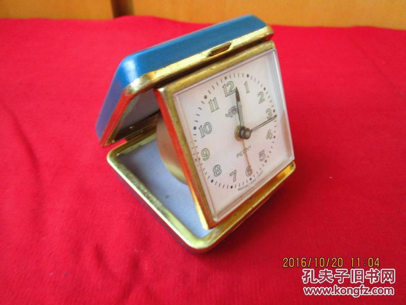 老的带盒机械闹钟