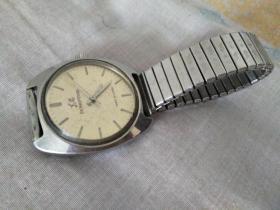 东风牌机械手表