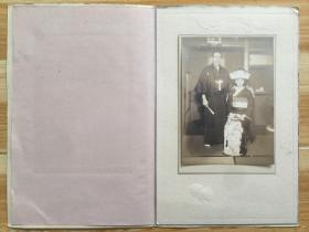 照片 明治到昭和初期日本着和服夫妻合影纪念照片一张