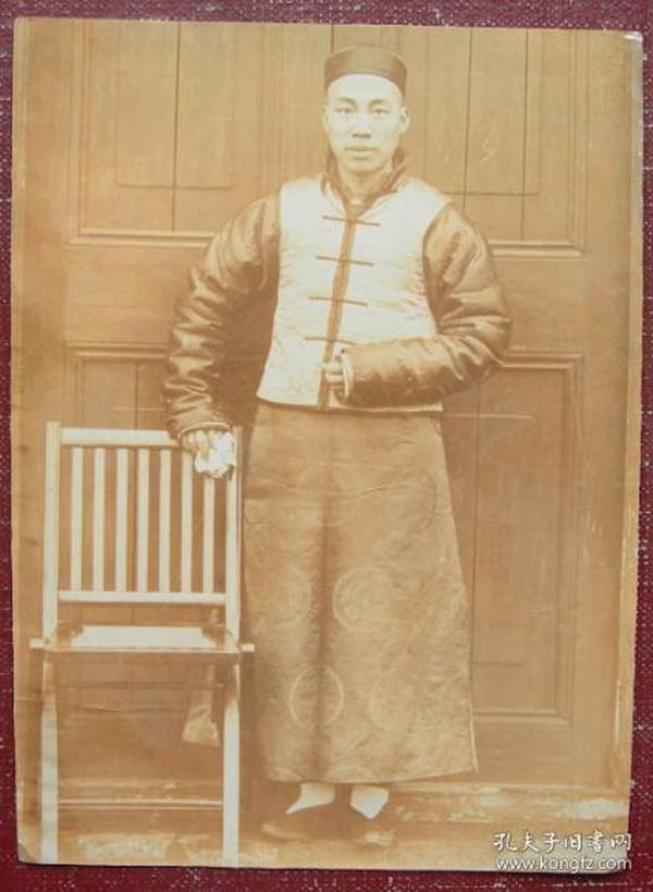 清代老照片(晚清老照片):清末贵族。《陌上》
