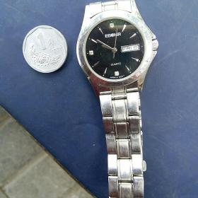 河北建材职业技术学院建院30周年 怀旧收藏 手表一块 实物实拍