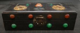 乌木镶玉盒,重量0.95公斤代理转图可以加价,运费自理。