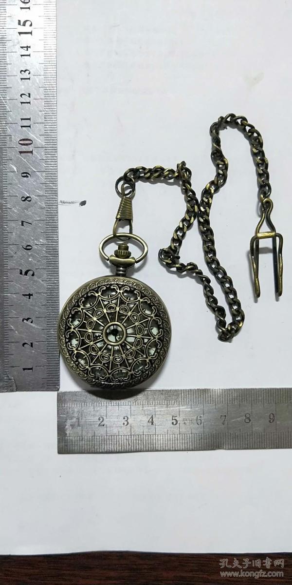纯铜镂空老式怀表,值得收藏哦!(4-4)