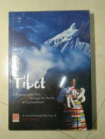 英文版   Tibet: A Photographic Tour through the Realm of Enchantment  西藏:穿越魔域的摄影之旅      8开精装   未拆封