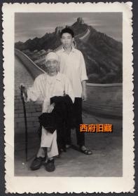 1976年于重庆新桥军医院,大哥送给二弟的留念照,背有一首用于干校的打油诗