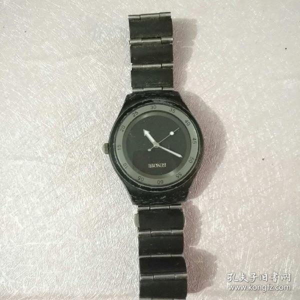 老款SINOBI男士手表一个(不会转动)