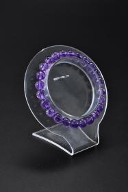 《紫水晶手串》一个 单颗尺寸:7.5mm,总重:14.24克。手串周长20.5cm 。水晶寓意吉祥之意。