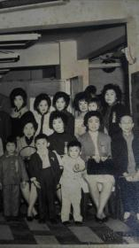 民国谢府家族婚庆盛典大幅合影照片
