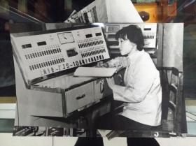 七十年代中期工厂女工黑白照片6张