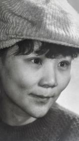 八十年代初期大北拍摄女青年大幅艺术人像照片