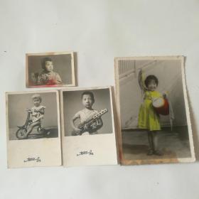 儿童照片四张