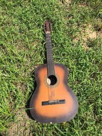 七八十年代 木吉他 品如图    体积大,运费协商