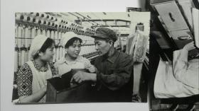 1978年获得全国真丝印花奖的著名的上海第七印绸厂大幅资料照片14张