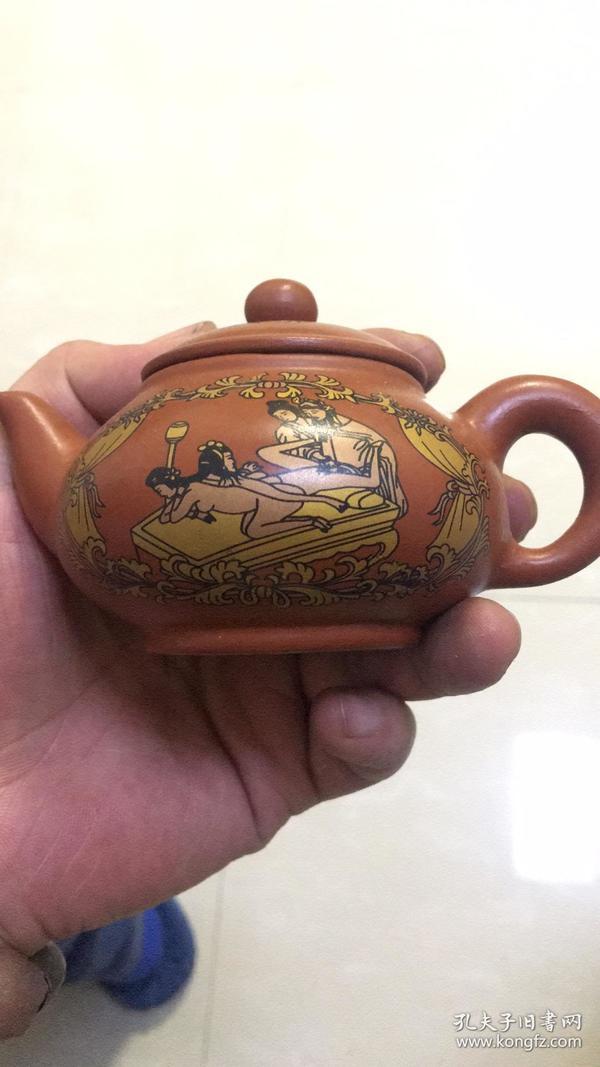 【名家供春茶壶,精美春宫紫砂壶】把件,摆件,古玩杂项,收藏,喜欢的朋友可以收藏起来,