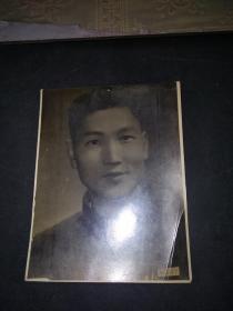 一张1961年的老照片(背写有丹剧于宁演出期间摄于一九六一年冬字样)