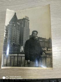文革照片:广州爱群大厦——毛主席万岁、大跃进万岁、人民公社万岁
