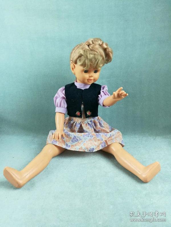 *FWPYLC-非常漂亮的老胶皮娃娃,造型精致做工好,衣服和品相极佳的胶塑娃娃