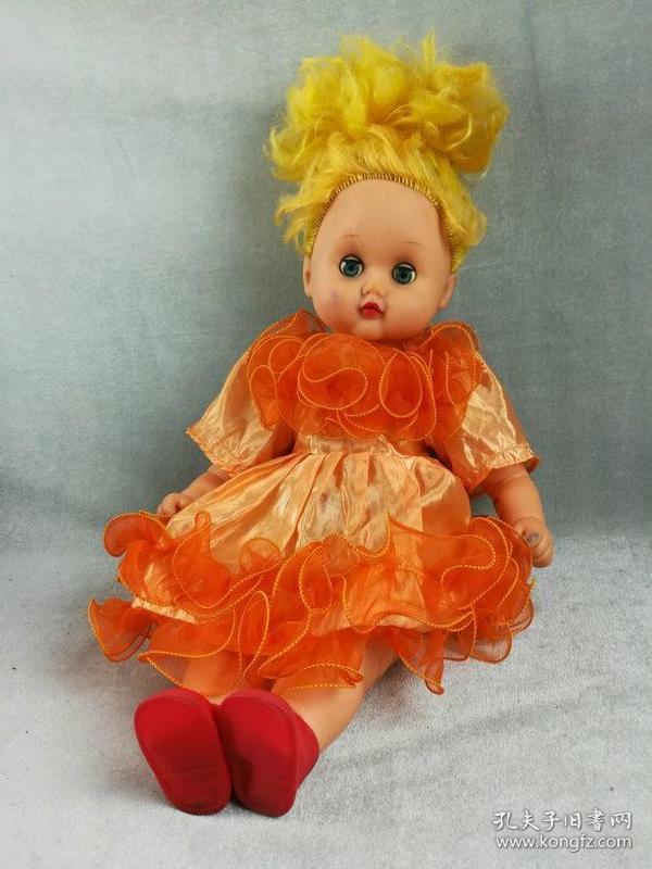 *FWPE3PC-非常漂亮的老胶皮娃娃,造型精致做工好,衣服品相极佳的胶塑娃娃,胶塑加棉质,品相如图