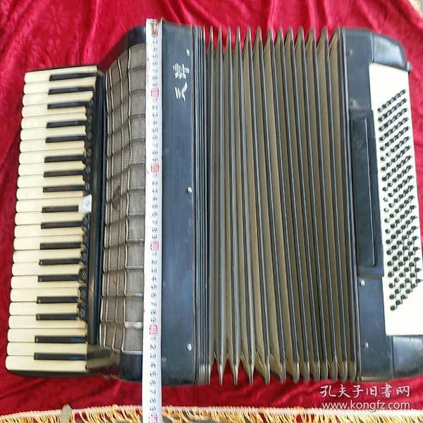 天津生产 鹦鹉牌 手风琴 怀旧收藏