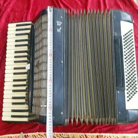 天津生产  手风琴 怀旧收藏