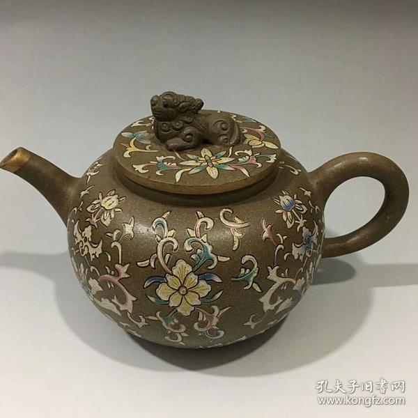 王南林款彩绘兽钮紫砂壶12x21