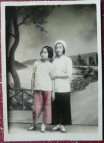 民国老照片:美女,给仁妹(修仁)忆念,娜姐赠,1949年。手工上色【陌上花开系列】
