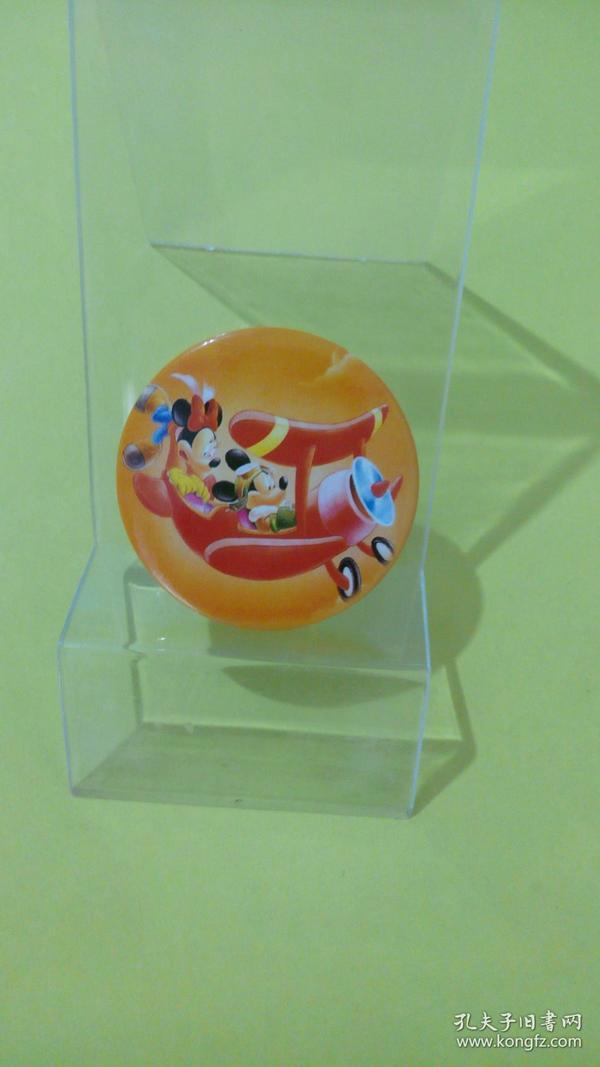 米老鼠情侣坐飞机(迪士尼动漫徽章)
