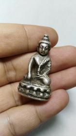 收钱币收的 小银佛像