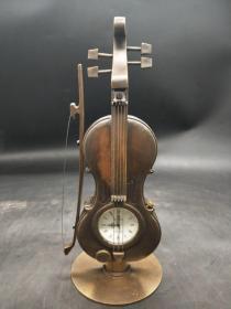 小提琴表(长期有货),重量587g代理转图可以加价,运费自理。