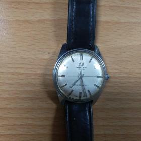 东风牌机械手表一枚