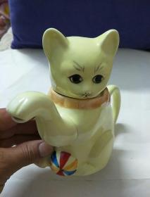彩瓷招财猫茶壶