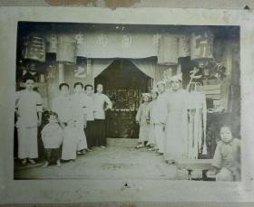 民国闽南地区张氏家族出殡灵堂带背板大幅照片