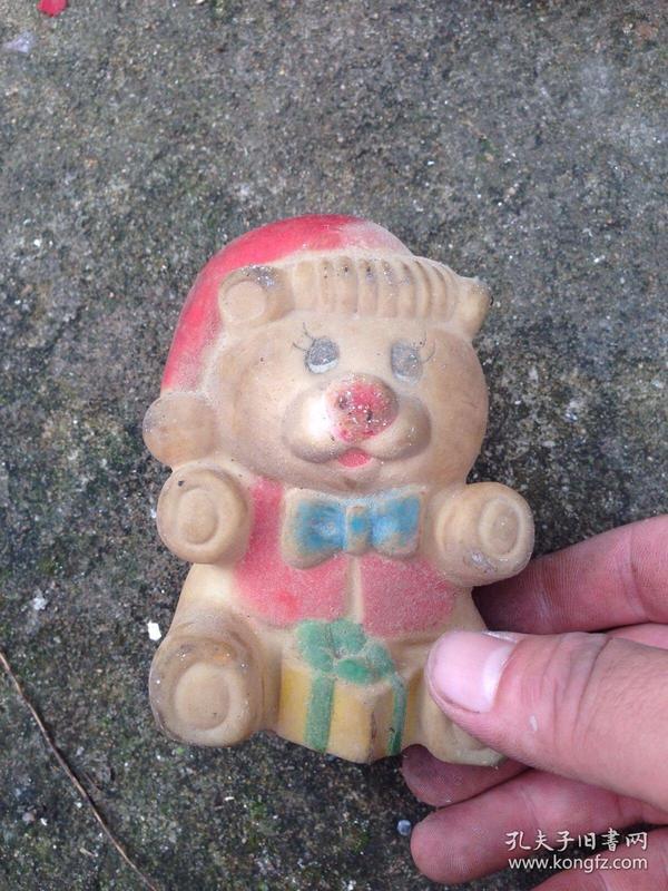 胶皮玩具熊一个