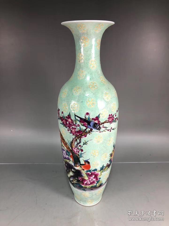 清代雍正款粉彩花鸟纹薄胎柳叶瓶图片