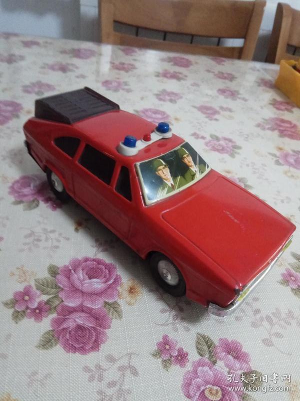 八十年代老铁皮玩具 救火指挥车
