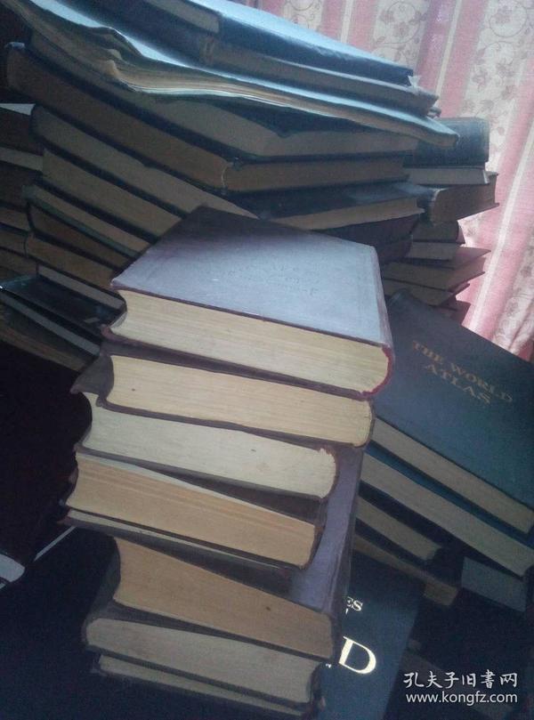 格鲁吉亚语原文词典 格鲁吉亚语词典 8卷,高30厘米,收14万格文单词,我又在国内看到一套!所以我这套可以先转让。照片里的这套是我自己的私藏!因为我又在国内看到一套,所以可以先我这套转让