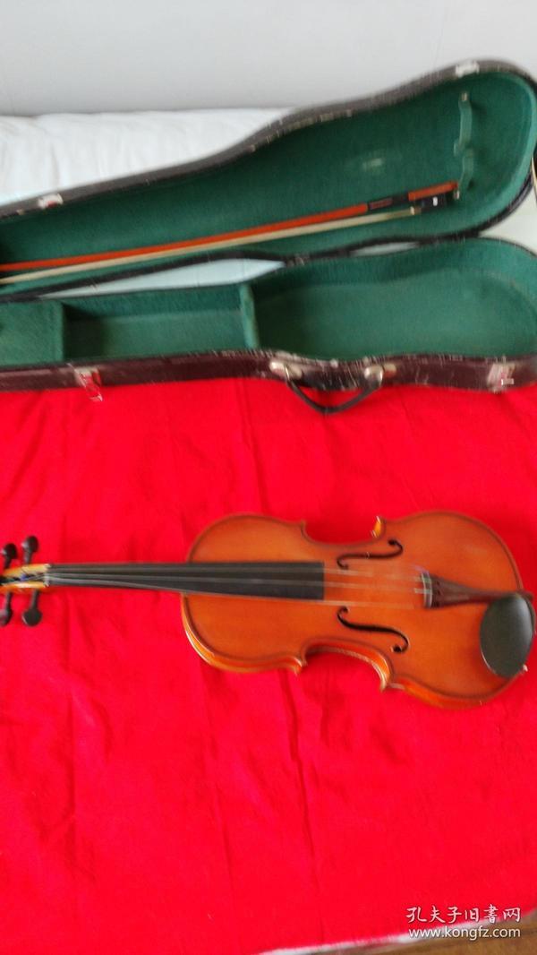 小提琴(配件都齐全)带校音器和松香