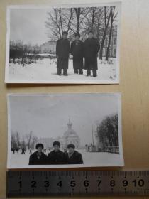老照片【1959年,访苏同志在列宁格勒夏宫前合影】2张