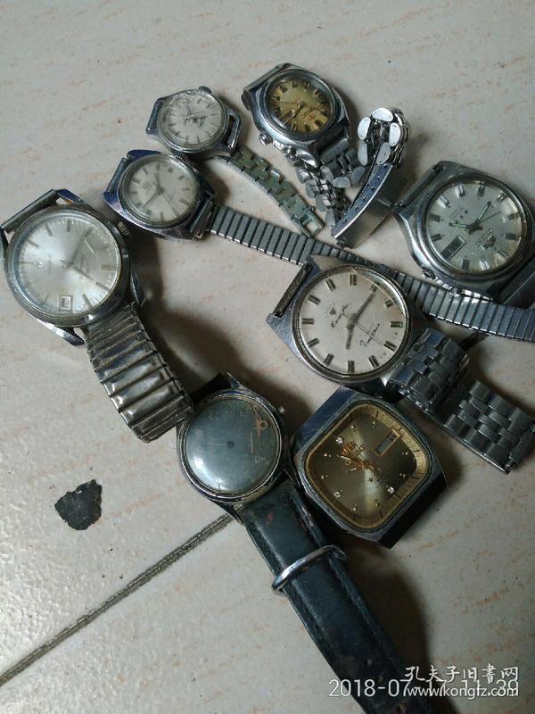 八只手表一起走,四只进口,三只国产,一只老表壳