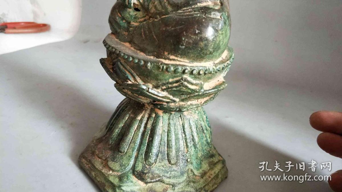 明代做工精致的铜佛像