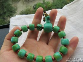 漂亮的绿松石手链