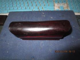红木海梅酸枝木棺材形印章盒一只,内有红木素章一枚,包真,dsj2-1,存于楼下瓷器架四*北